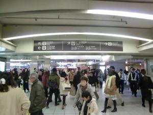 地下鉄梅田④⇒阪神電車②へ